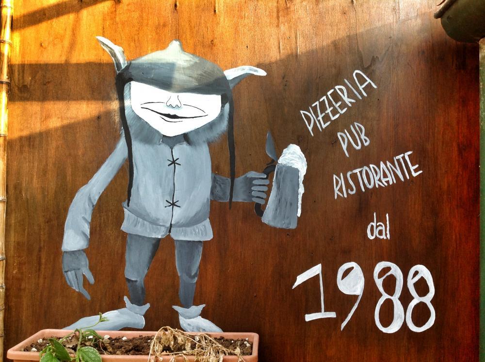 Vinci un cartone di birra da Ristorante Pizzeria Pub Mr. Fog a Viareggio