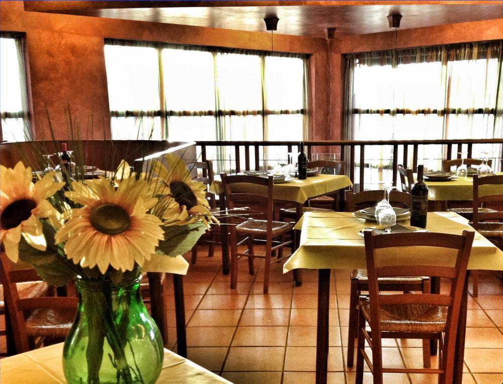 Pranzi di Lavoro con menu' a scelta da Ristorante Pizzeria Le Bocchette a Capezzano Pianore